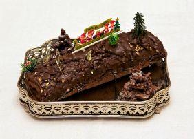 1024px-Bûche_de_Noël_chocolat_framboise_maison